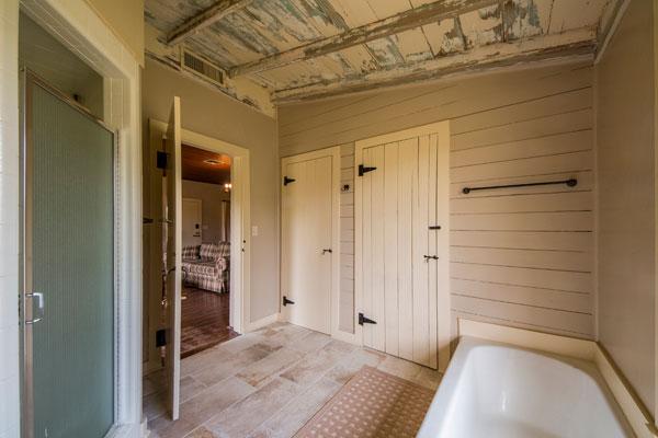 Cottonwood Lodge Master Bath, Rancho Madrono