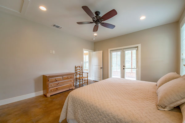 Master Bedroom with King Bed, Creek Lodge