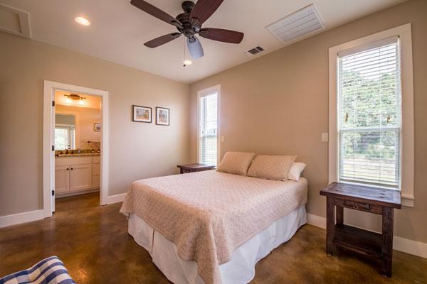 Queen Bedroom with Bath, Creek Lodge, Rancho Madrono